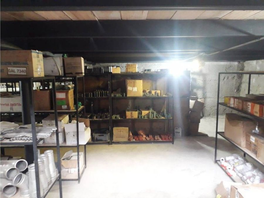 dgalpon bodega y oficinas 1000 m2via calacali