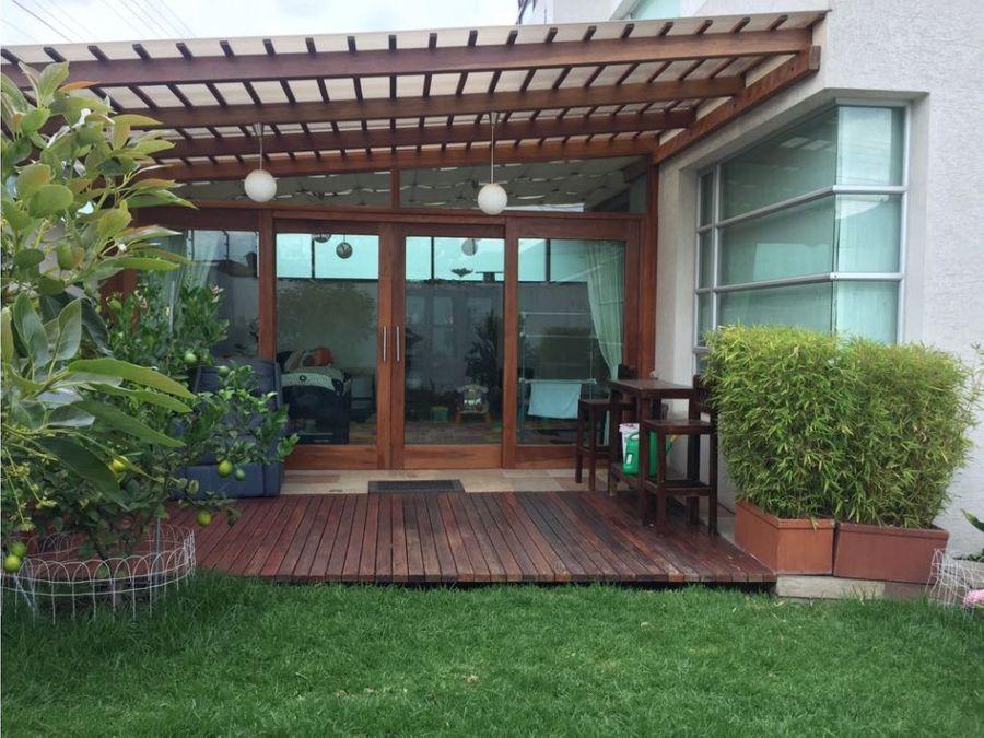 casa con jardin cumbaya la primavera en venta
