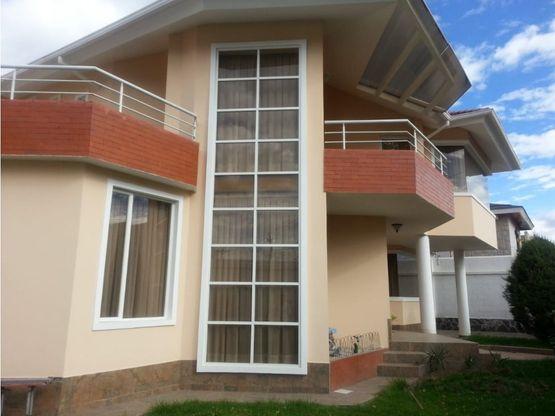 casa de venta la primavera 2 cumbaya