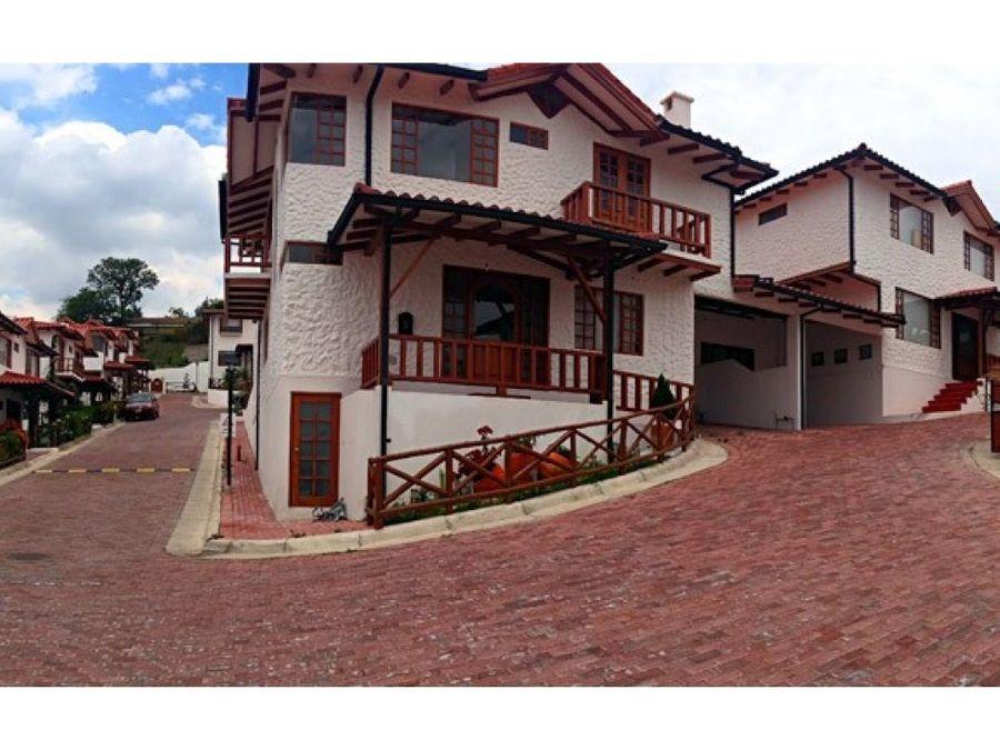 vendo casa tipo hacienda 4 dormitorios cumbaya