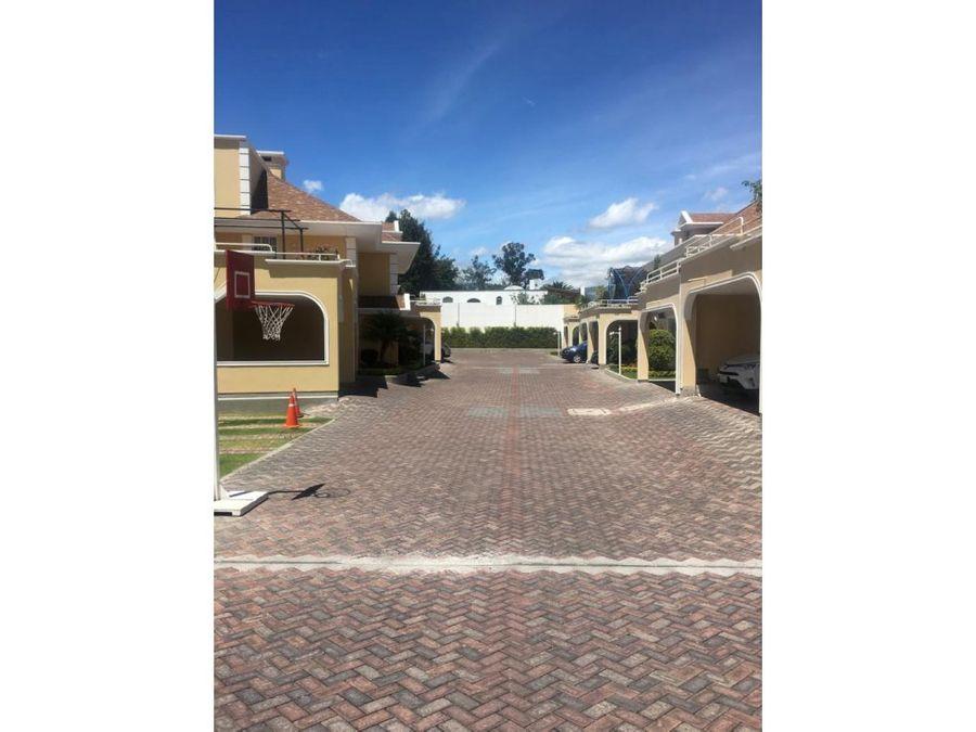 c casa de venta en cumbaya sector colegio menor