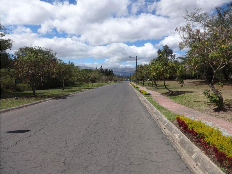c vendo en puembo en urbanizacion los arrayanes 1090 m2 plano