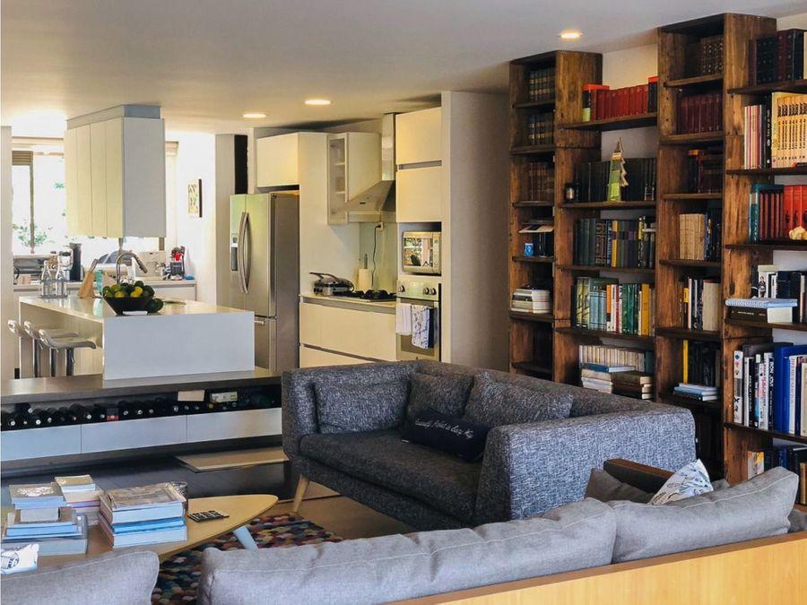 venta de amplio apartamento con terraza en la calera el poblado
