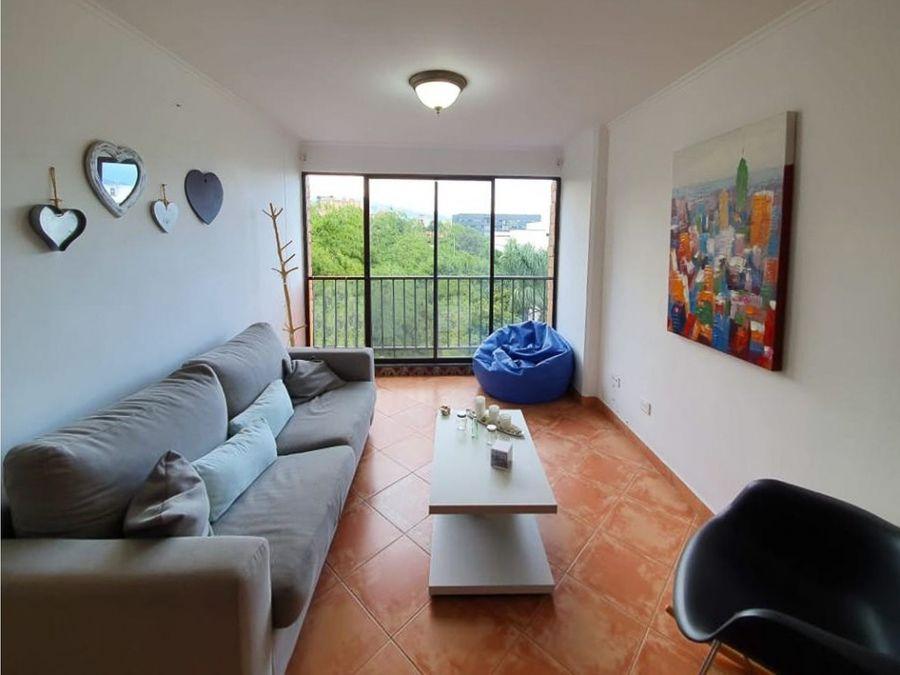 apartamento en patio bonito el poblado cerca a la clinica las vegas