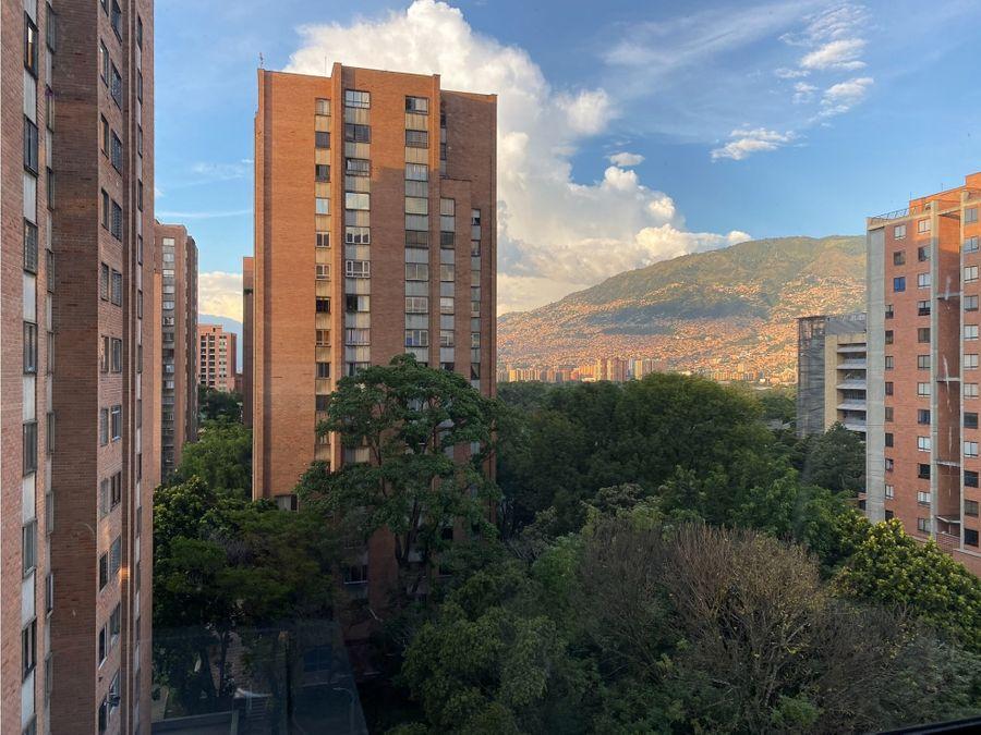 se vende apartamento en suramericana piso alto laureles estadio