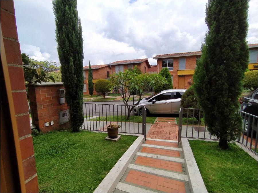 casa en conjunto residencial la sierra suramerica la estrella