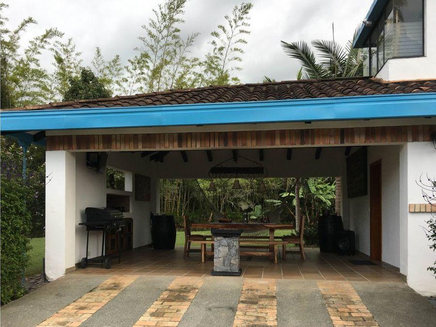 se vende casa campestre en llanogrande rionegro