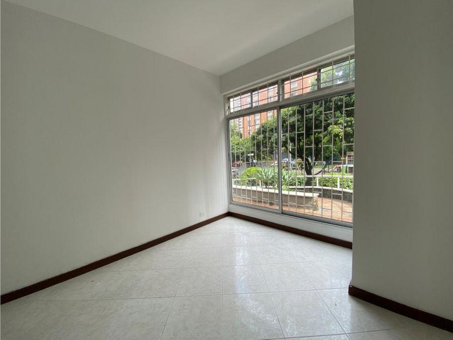 local comercial 68 m2 se arrienda en suramericana laureles estadio