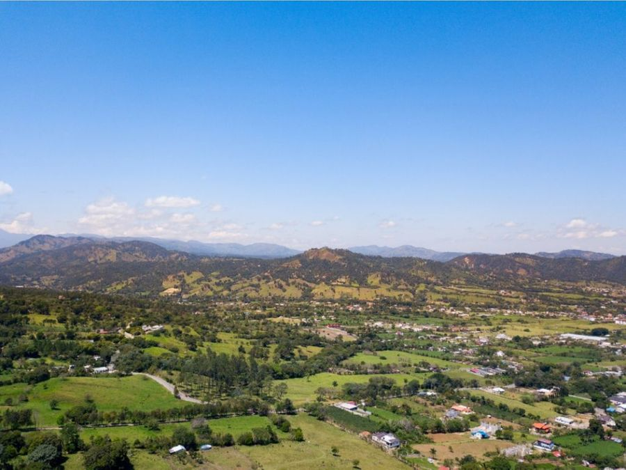expectacular terreno de 4000 metros disponibles en jarabacoa