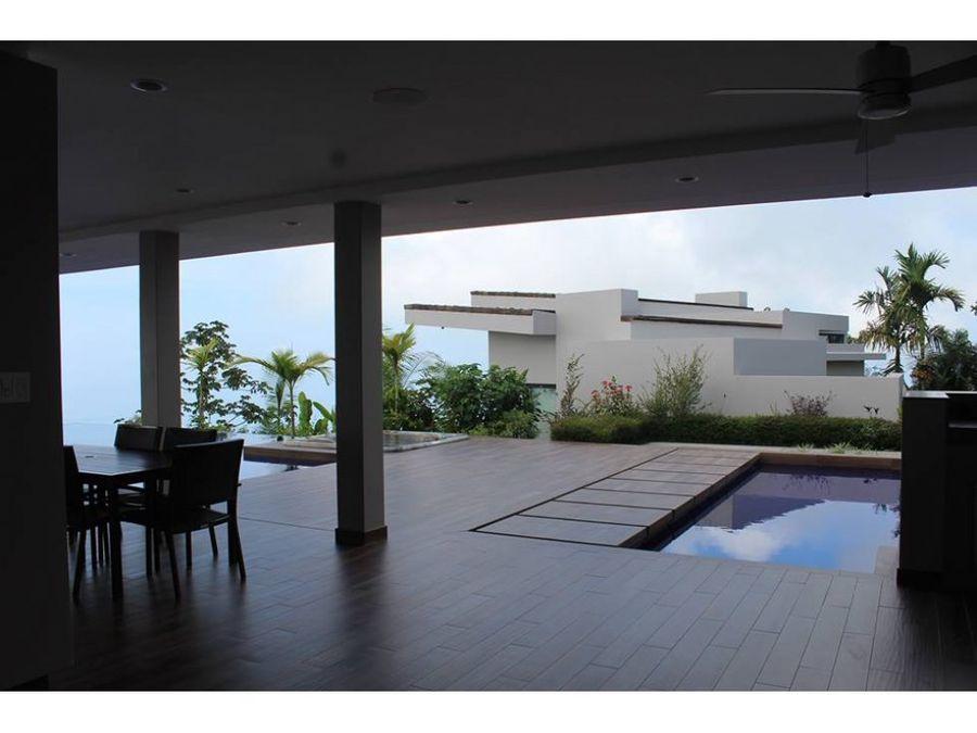 se vende espectacular mansion en bahia ballena