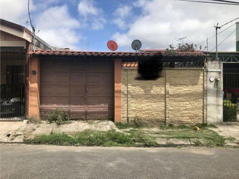 se vende casa en urban las catalinas cartago