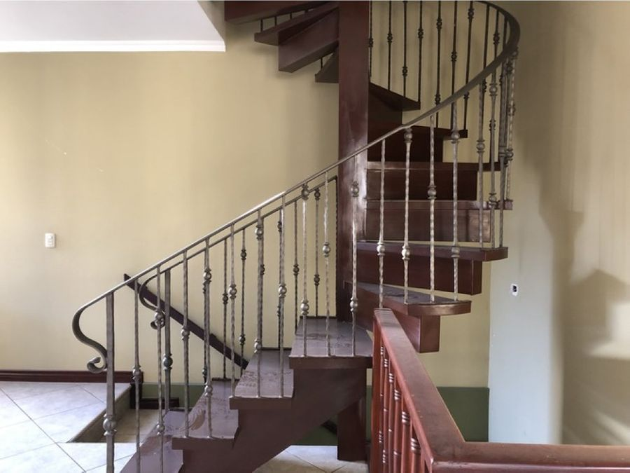 vivienda en condominio benalmadena curridabat