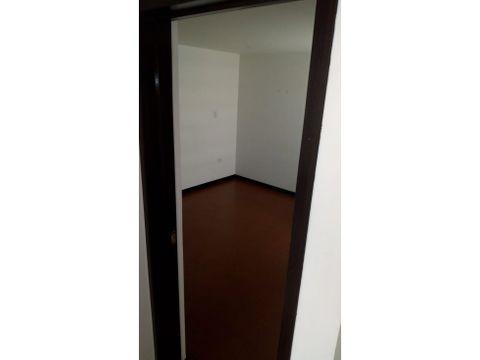 se arrienda apartamento duplex en parana