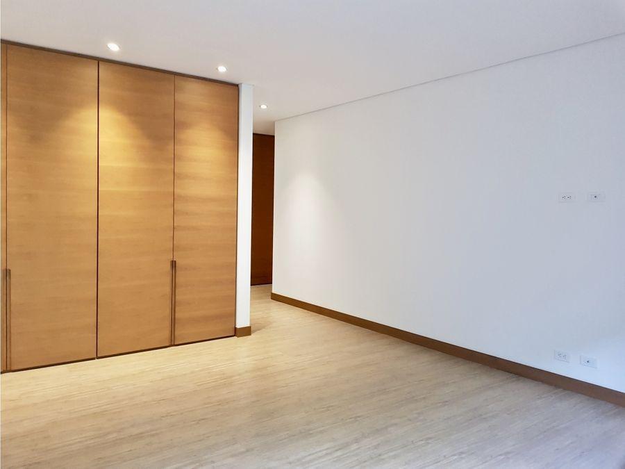 elegante apartamento en santa barbara alta