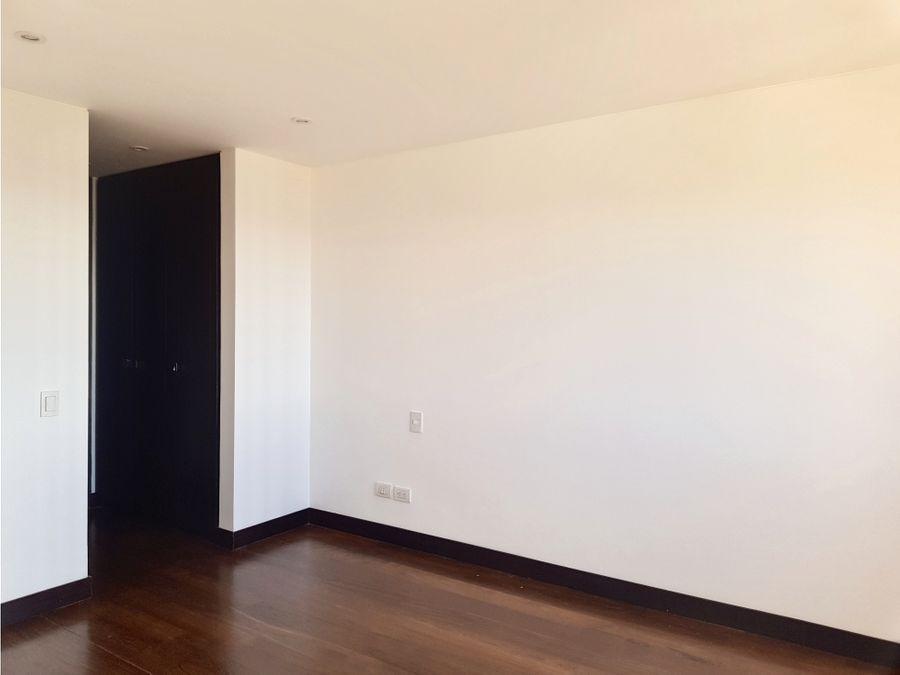lindo apartamento en santa ana con terraza