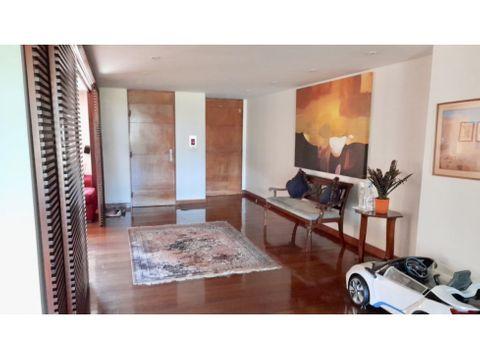 arriendovendo elegante apartamento en la carolina 300mt2
