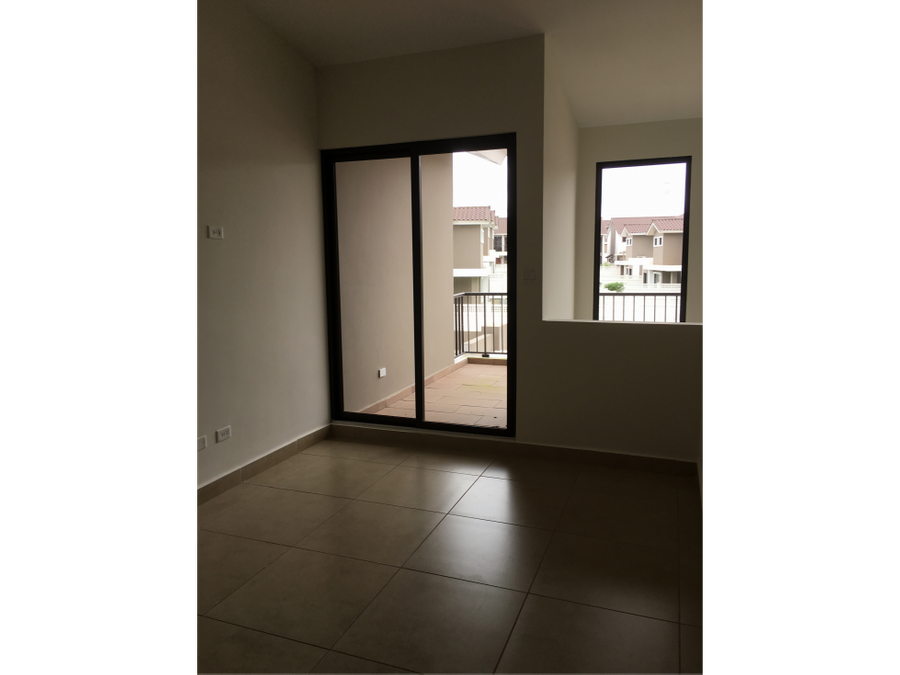 vendo hermoso townhouse en area exclusiva