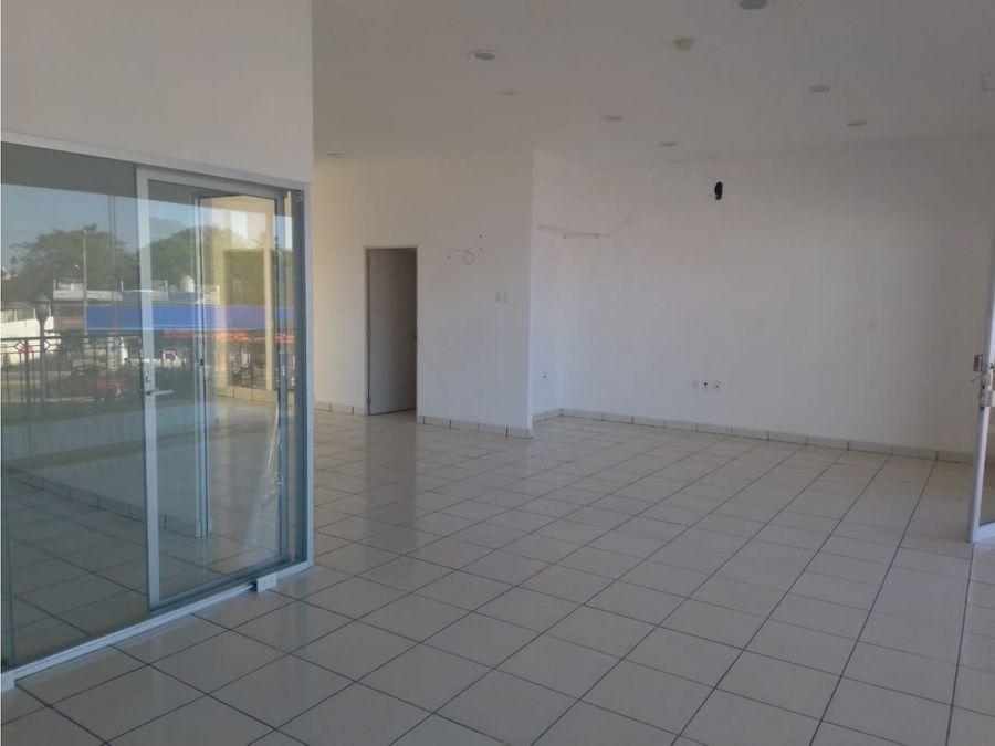 renta plaza terranova local 17