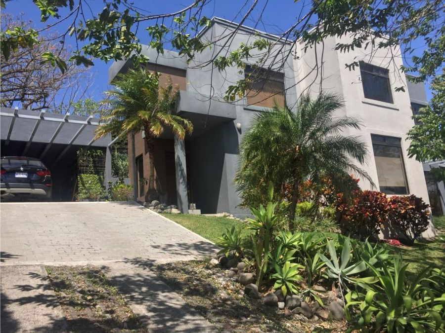 venta de casa en residencial escazu guachipelin