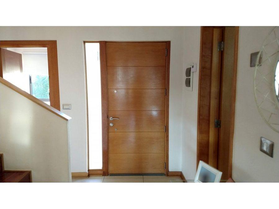 venta de casa 4d 3b con 2 estacionamientos en condominio los andes