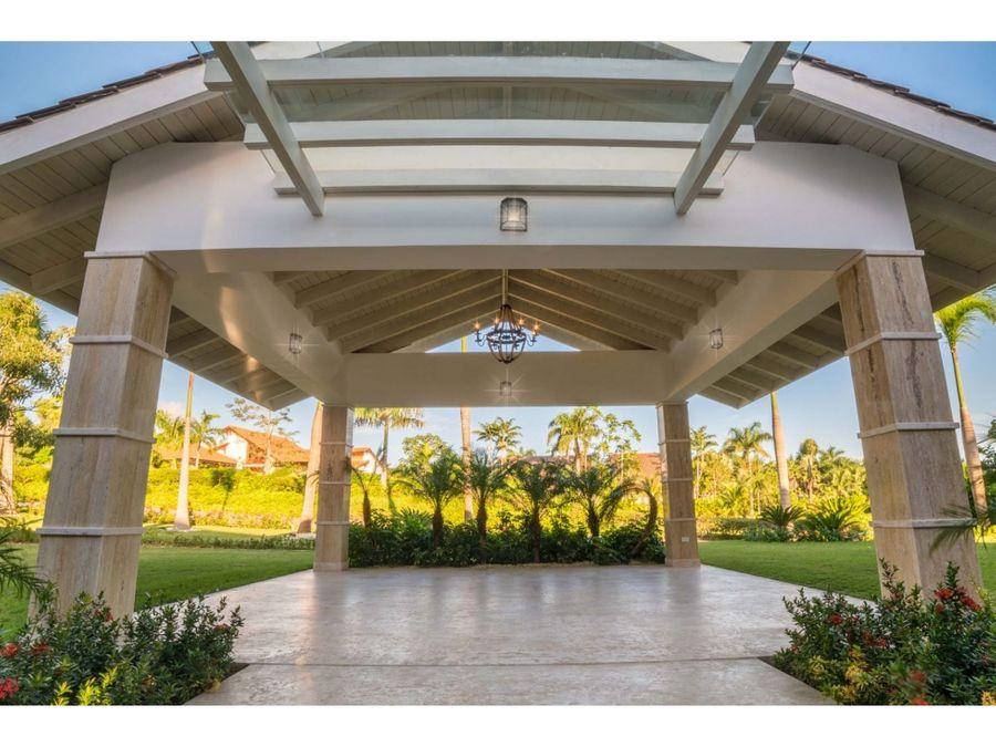 pintoresca villa de lujo con vista a campo de golf casa de campo