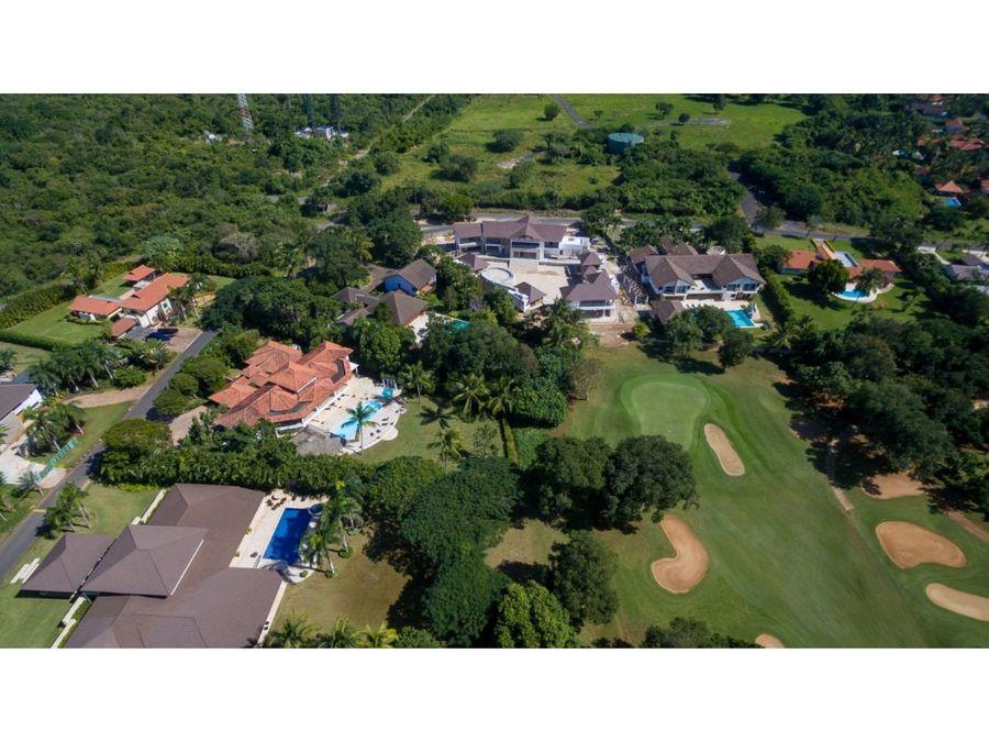 hermosa villa con vista a campo de golf en casa de campo