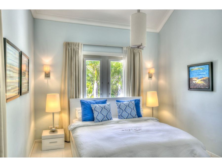 lujosa villa en punta cana resort con vista al campo de golf