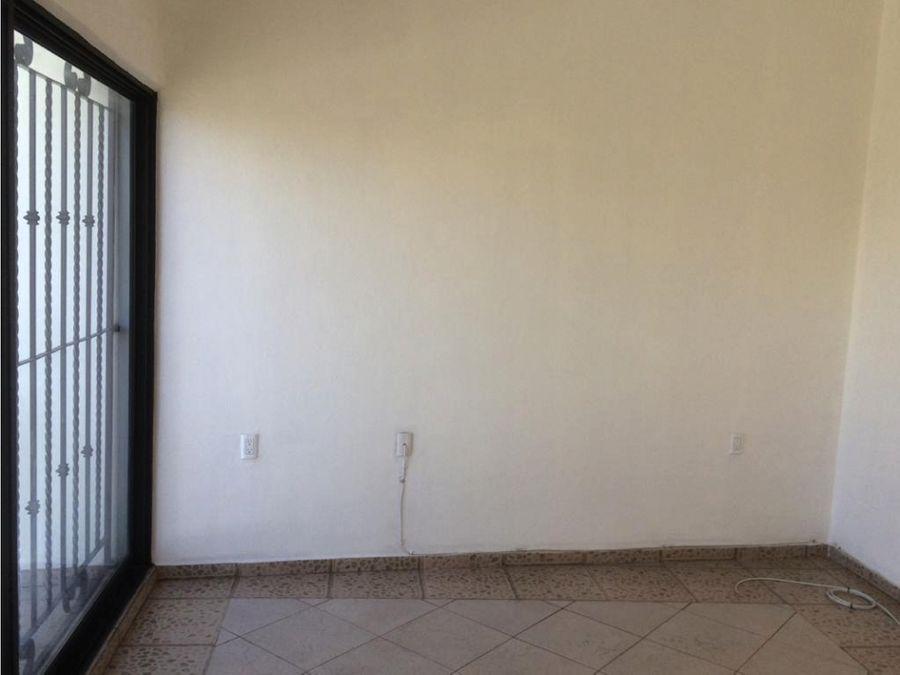 casa en venta en jiutepec a una cuarda de boulevard cuauhnahuac