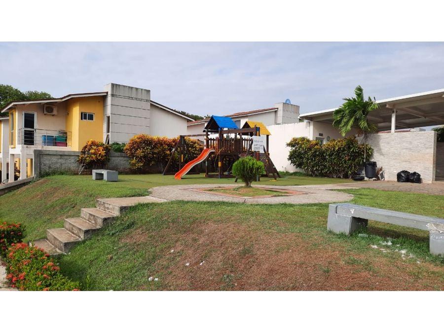 se vende casa en residencial santillana las villas de arraijan
