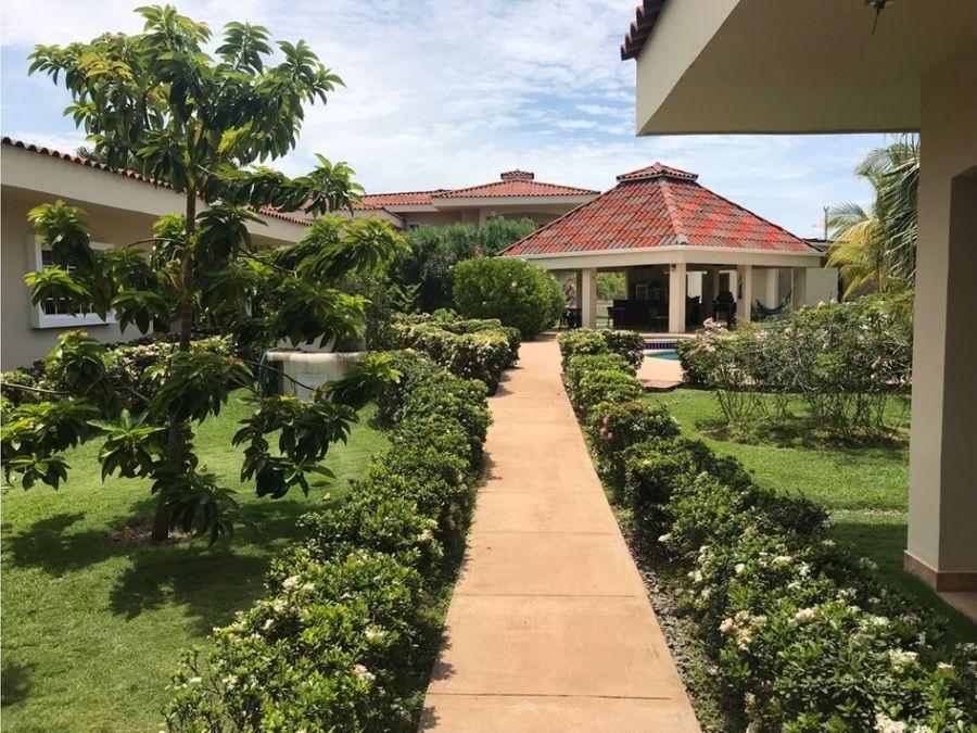 mini resort a la venta en santa clara