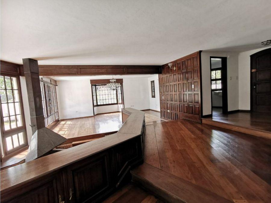 amplia casa para vivienda u oficina