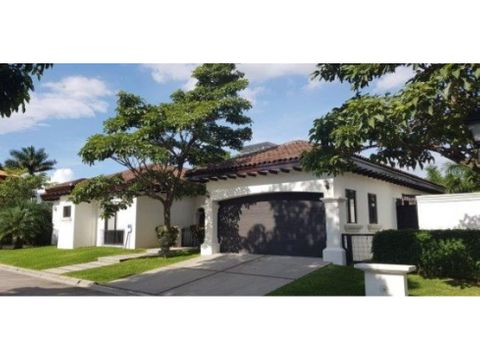 beautiful exclusive property in gated community