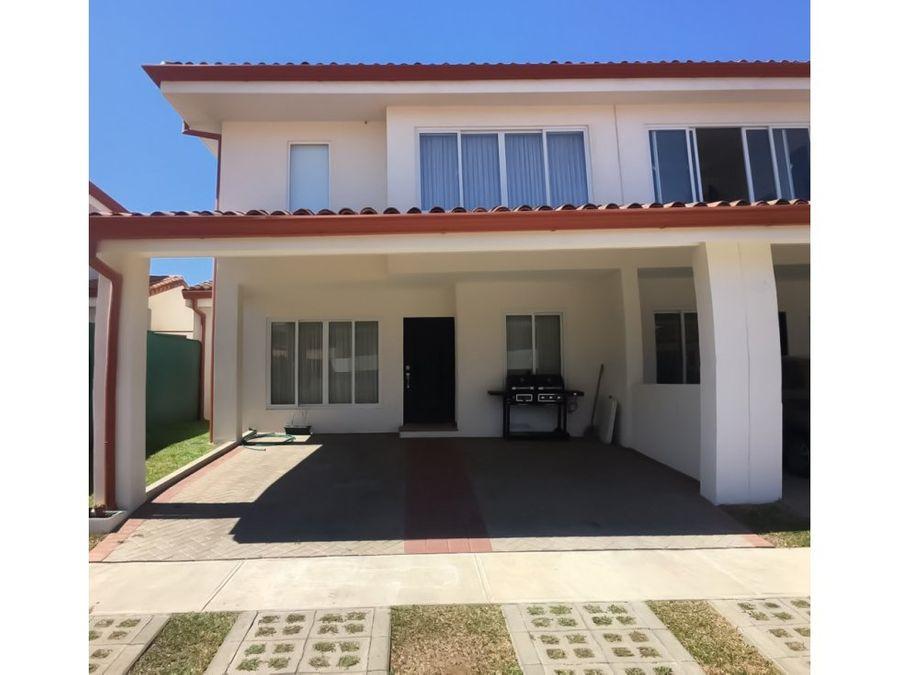 casa amplia con patio