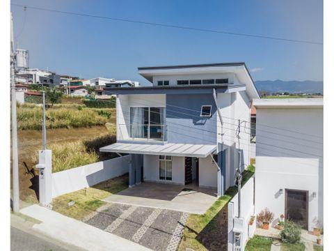 en venta la casa blanca condominio en grecia costa rica