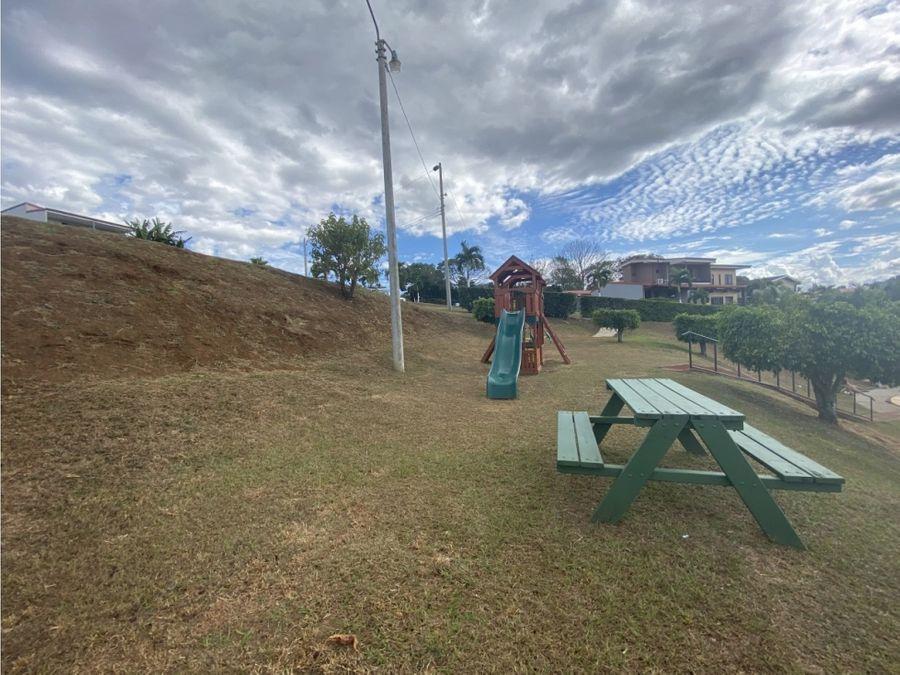 lote la palmera ubicado en una comunidad cerrada en grecia cr