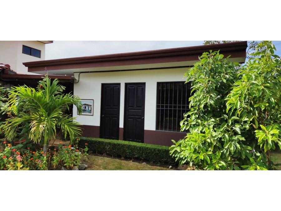 casa independiente en santa ana