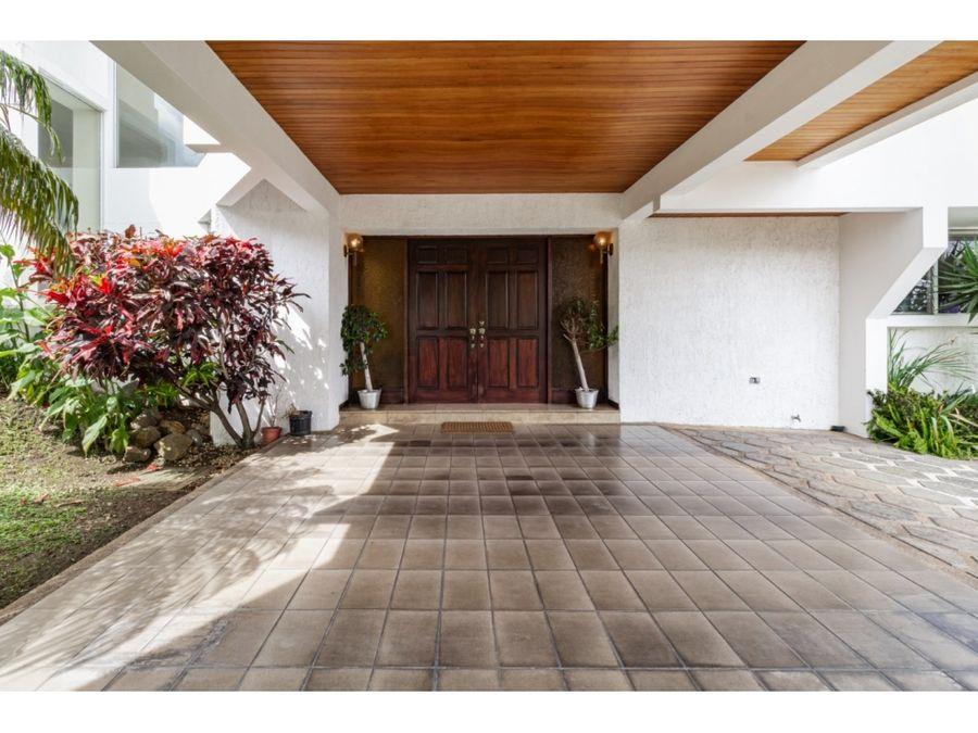 casa linda y amplia en san antonio de escazu