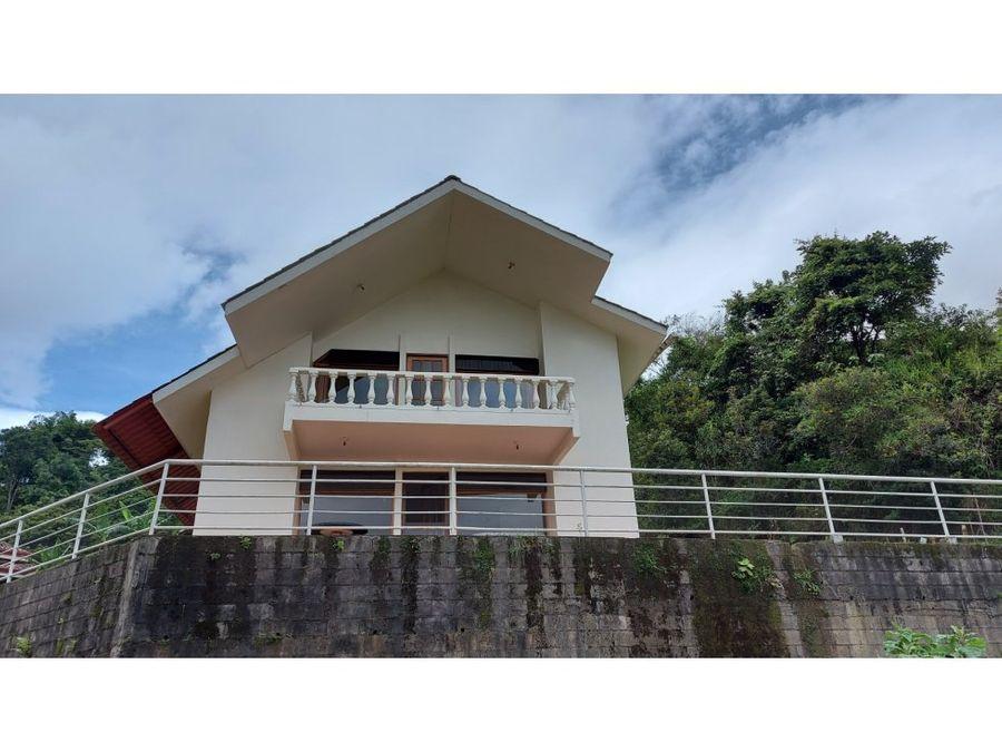 se vende casa con espectaculares vistas