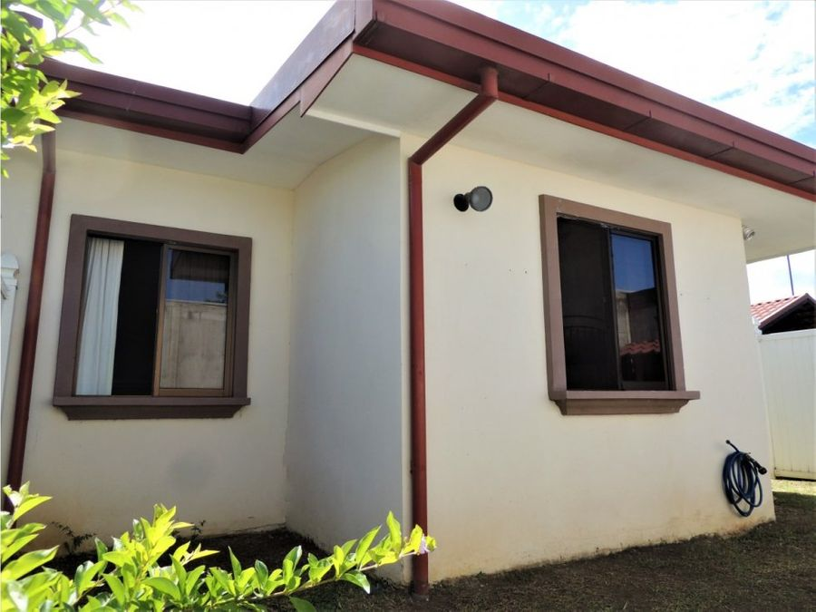 casa glorielka la guacima alajuela costa rica