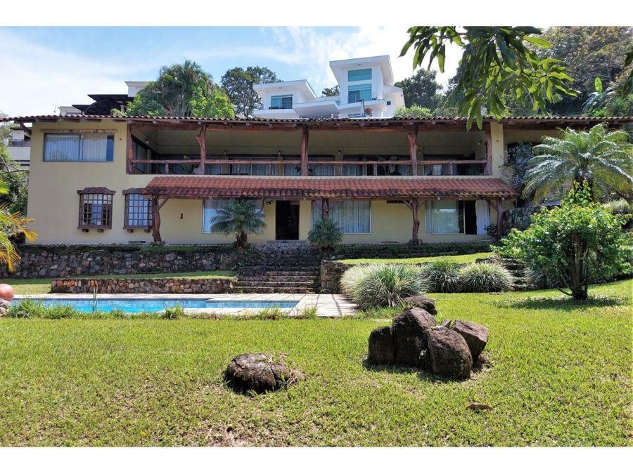 se vende casas excelente ubicacion ciudad colon san jose