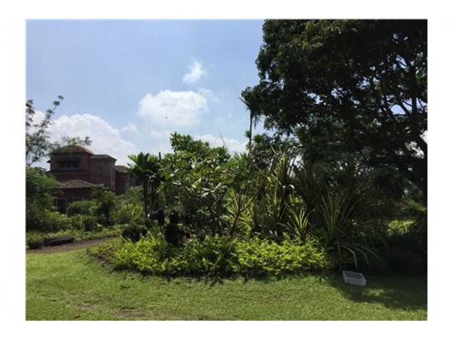 exclusive double lot in premier gated community