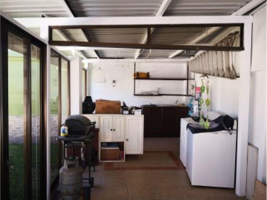 preciosa casa en venta