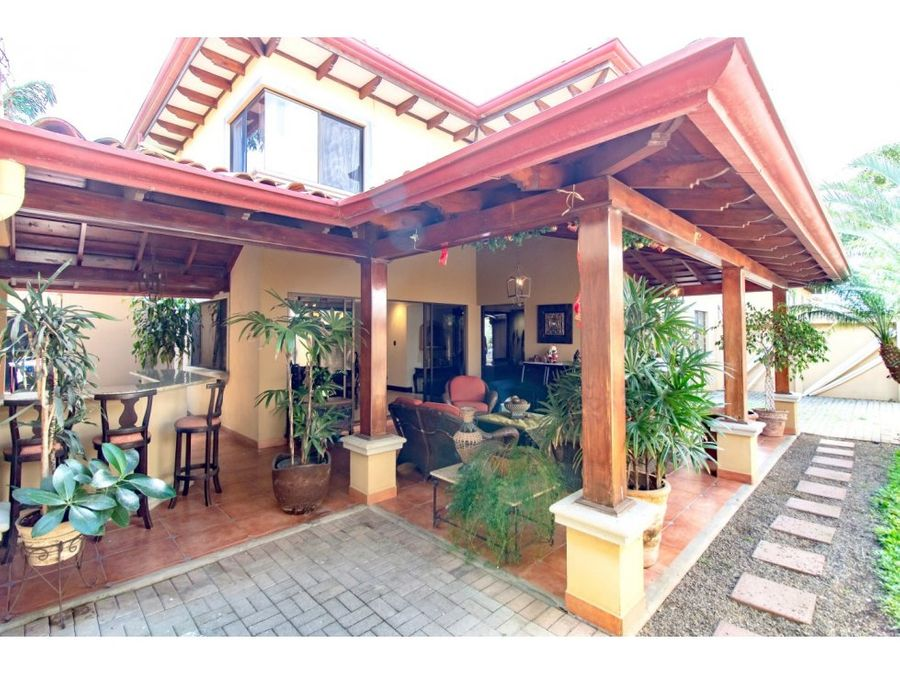 stunning house in guachipelin