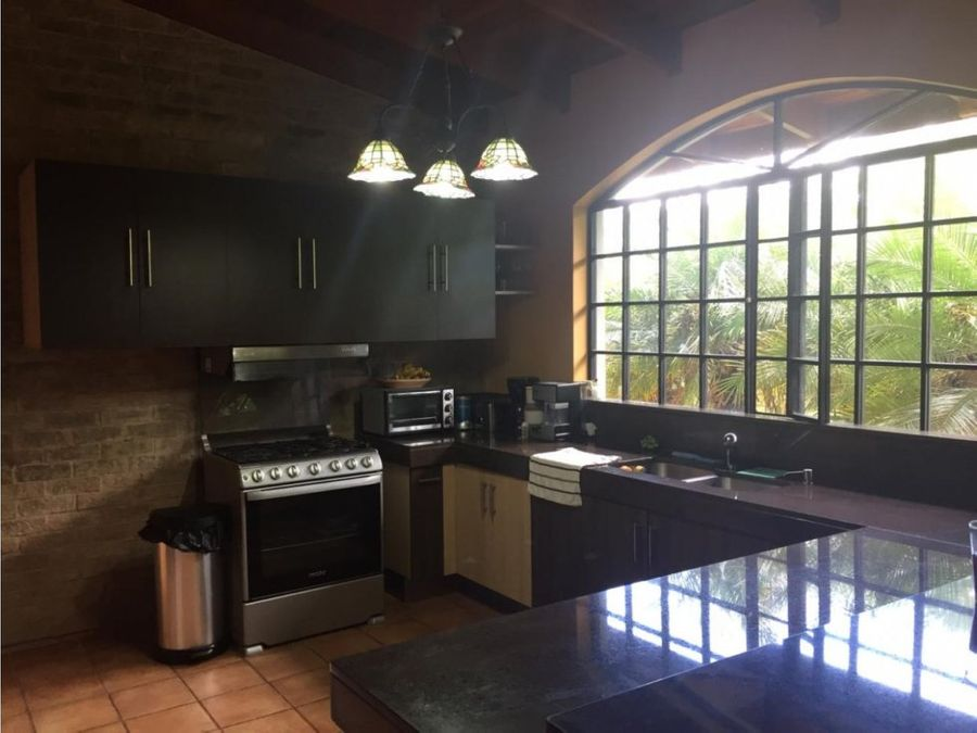 casa en venta en los angeles de santo domingo de heredia
