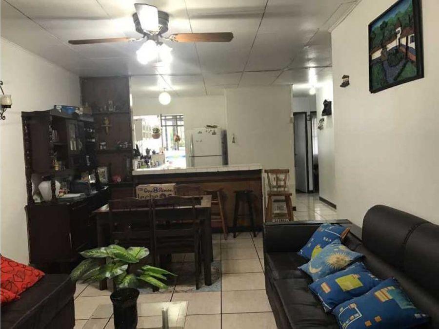 casa y apartamentos en san antonio de coronado en zona comercial