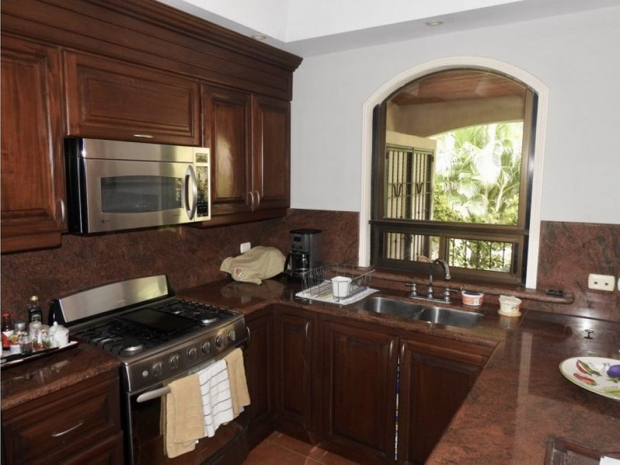 beautiful condo in santa ana