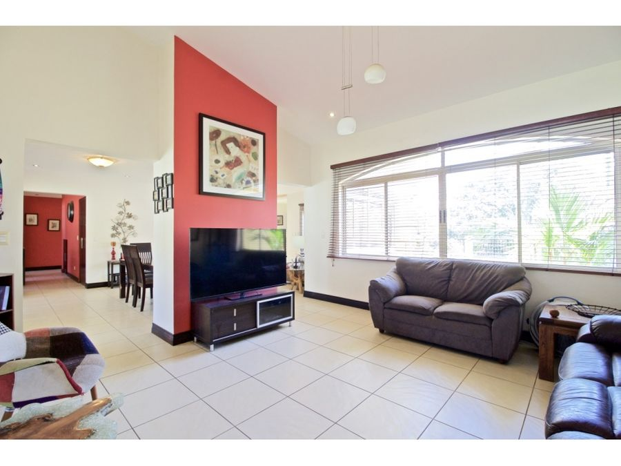 affordable spacious home with large yard available in santa ana