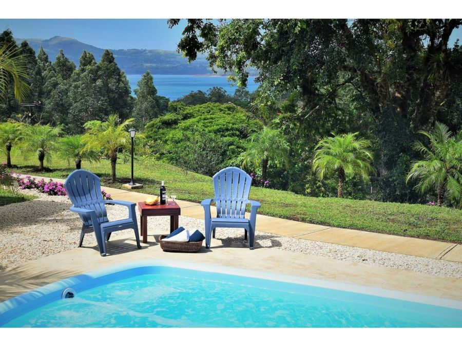 hotel overlooking lake arenal and near nuevo arenal tilaran