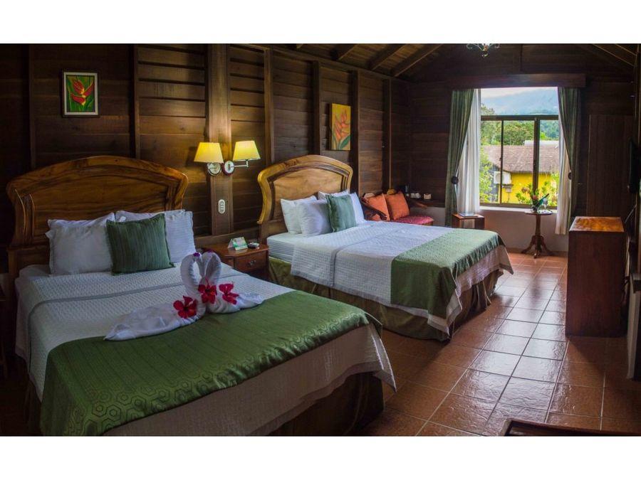 hotel de montana en la fortuna de san carlos