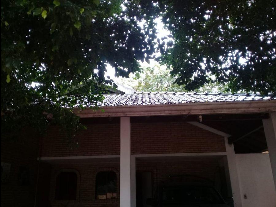 vendo hermosa casa quinta en fdo de la mora zona norte